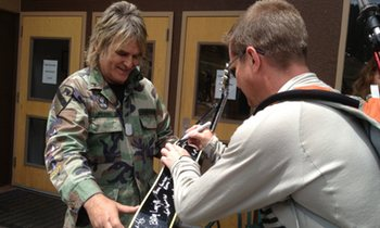 Signing Mike Peters Guitar