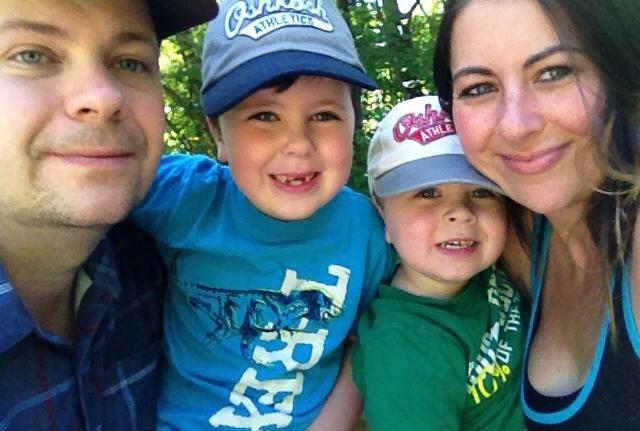 Testicular Cancer Survivor Jonathan Elliott and his family